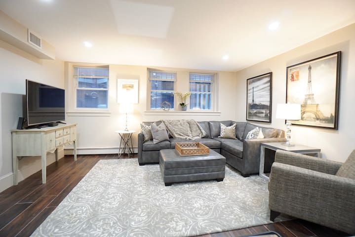 Brand New 1 BR | 1 BA on Charles St
