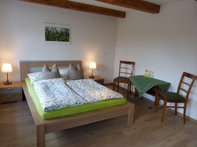 Ferienzimmer mit Privatweg zum See - Lübeck - Villa