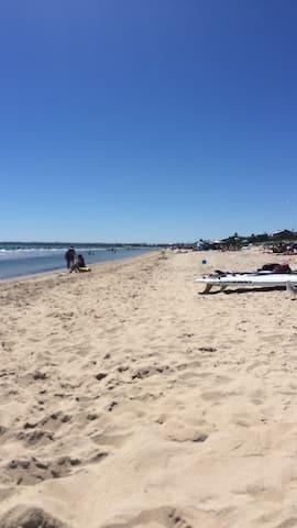 Coastal Beach Sheek City Modern Living - Frankston - Leilighet