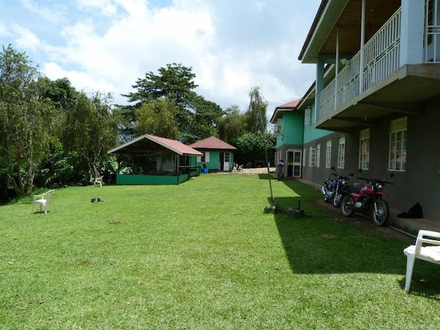 YES Hostel, Fort Portal