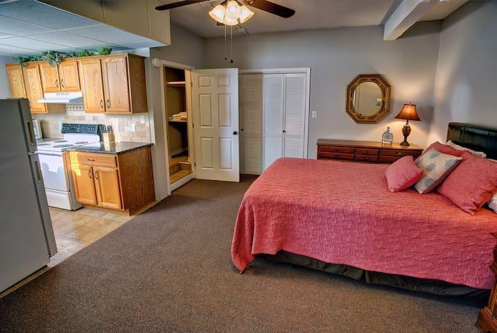Redlands Hotel Suite loft #406