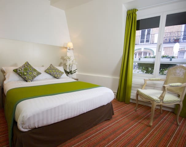 Double room close to Trocadero