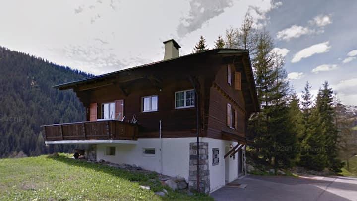 Chalet mit wunderbarer Aussicht in Davos-Clavadel