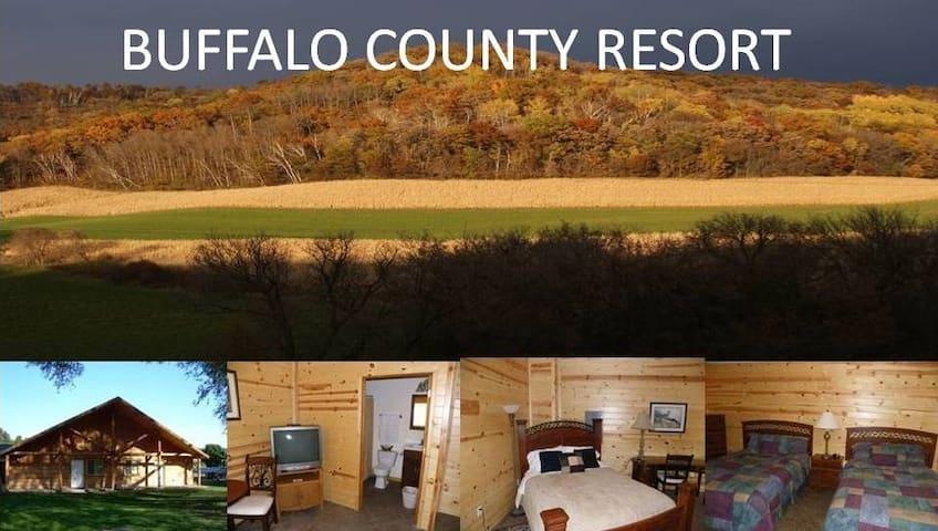Buffalo County Resort, Rustic Cabin (NO PLUMBING) - Waumandee - Cabaña