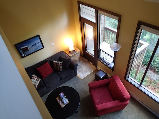 Light and Airy!  2 bdrm Condo with indoor pools! - Deming - Apartment