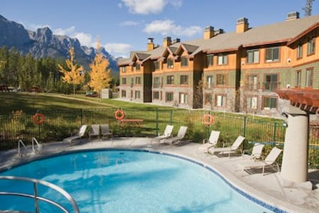 Canmore, AB Resort 1BR#2, Free WiFi