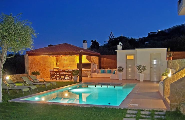 Dream Villa Georgia!Pool&Jet spa! - Chania - Villa