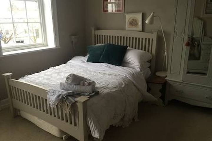 Double bedroom on the first floor.