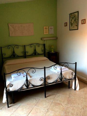 The Green Room - Arbus - Bed & Breakfast