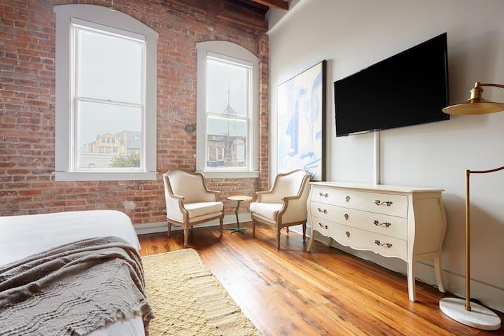 Sonder | Drayton Apartments | Quaint Studio