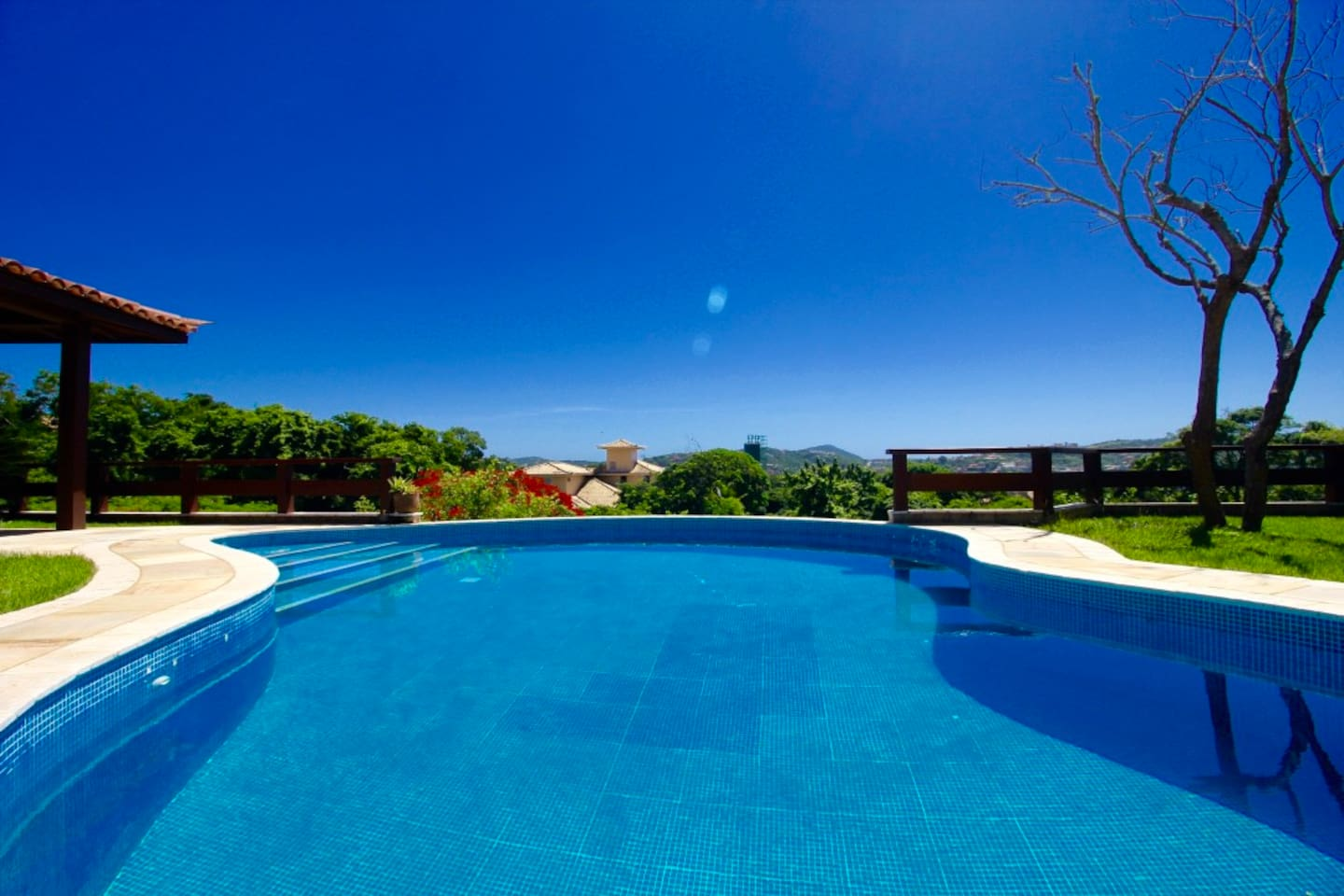 Private swimming pool. The house is built over 860m2 (9256.96 sf.) of land