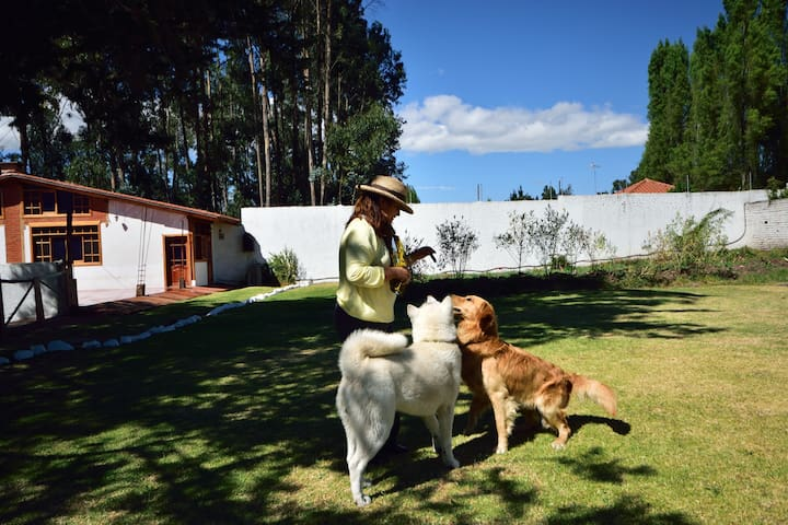 Lovely and Spacious Garden Country House Quito