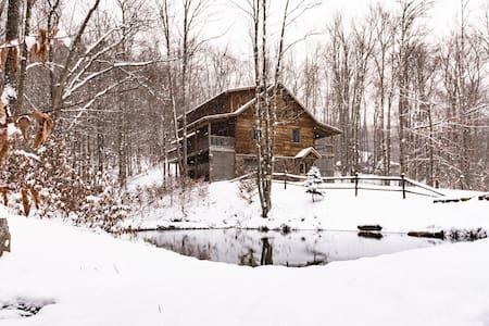 Timberline Cabin -Privacy & Charm w/ Pond & Stream