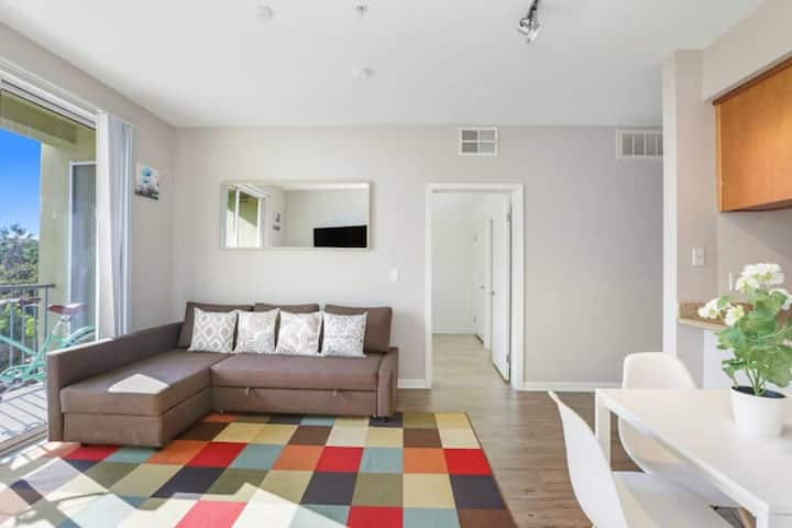 Awesomeone 2bedroom 2bathroom Santa Monica