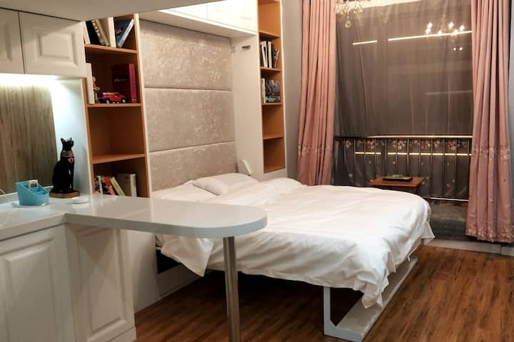 温度影院式公寓100寸投影房/智能门锁/情侣大床房——做一间有温度的公寓!