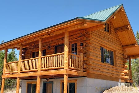 Log Cabin near Glacier Park - Sleeps 7 - 马里昂(Marion)