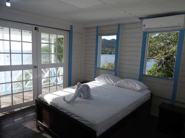 Sea View House - Providencia - Appartement