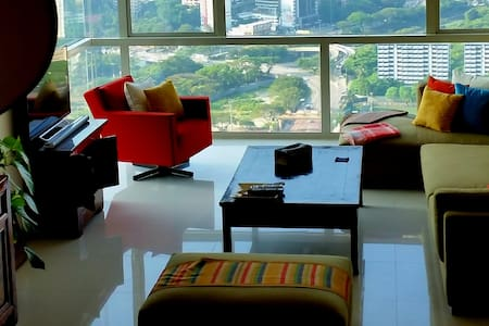 Luxury Top Flr Apt in KL Sentral - Apartamento