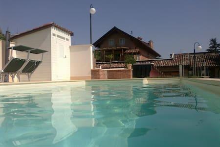 Splendida cascina nel Monferrato - Agliano Terme