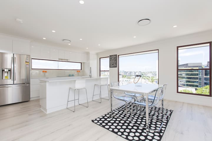 Chic House in the City! - Bowen Hills - Hus