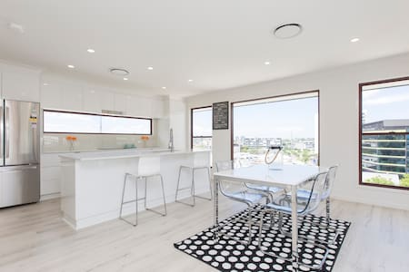 Chic House in the City! - Bowen Hills - Σπίτι