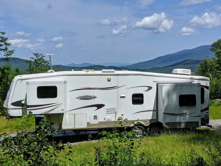 Private White Mountain RV Camping with big views!