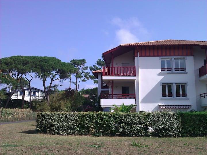 Jardin,  Eq. BéBé, forêt - WIFI - 3 min plages,