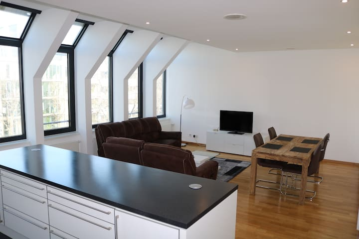 TOP Zentrales Apartment Zwischen Theo U Knigstr