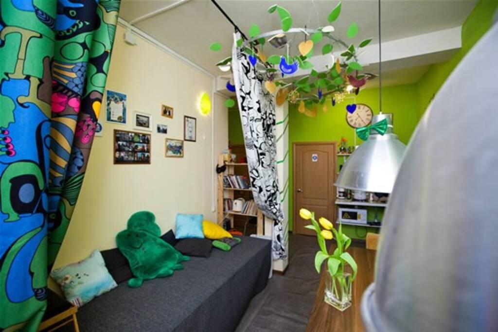 Гостиная с доступом к TV/ Living room with TV