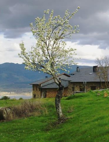 Rural Médulas 2. Casa rural en precioso entorno - Las Médulas - Hus