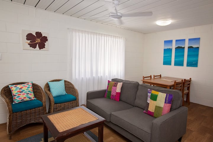 Apollo Jewel - 2 Bedroom Budget Ground Floor - 2 to 5 Night Stay