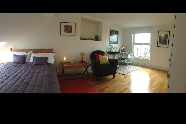 Very large En Suite Double room