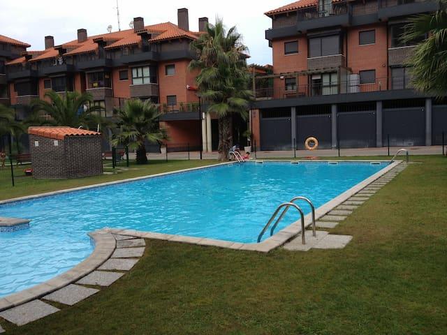 Apartamento en urbanización privada - Unquera - Lejlighed
