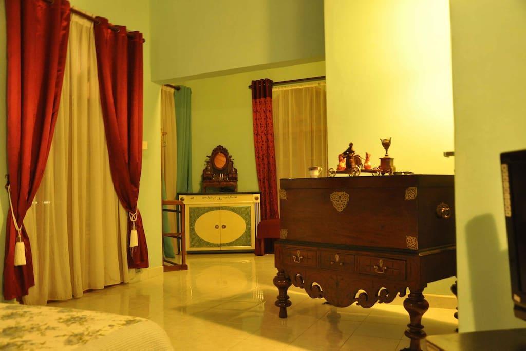 Suite Room dressing area