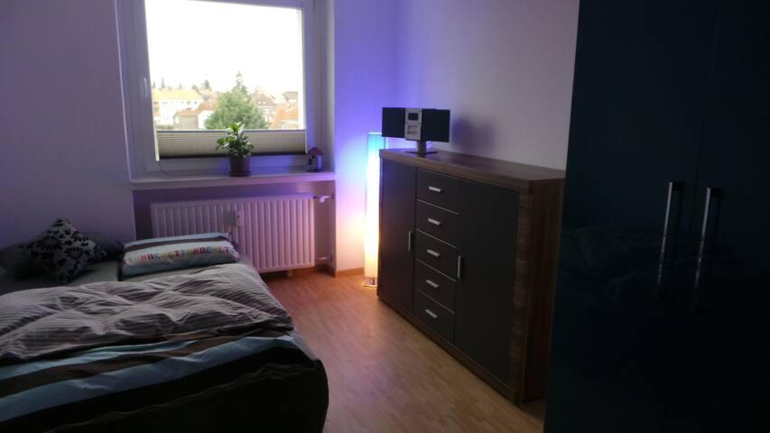 Neues Gästezimmer Messe Nah - Laatzen - Apartament