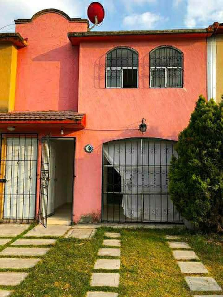 Cómoda casa en fraccionamiento seguro