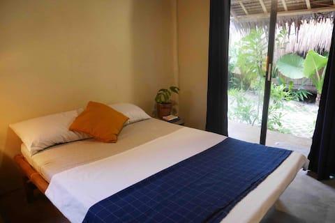 Marajaw Jungle AC Room in General Luna (room 1)