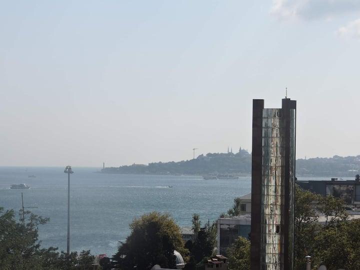 1+1 Apartment with sea view in Beşiktaş