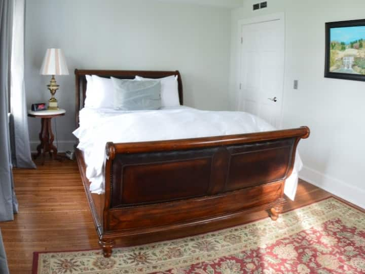 The Chanell Suite at The Manor on Front