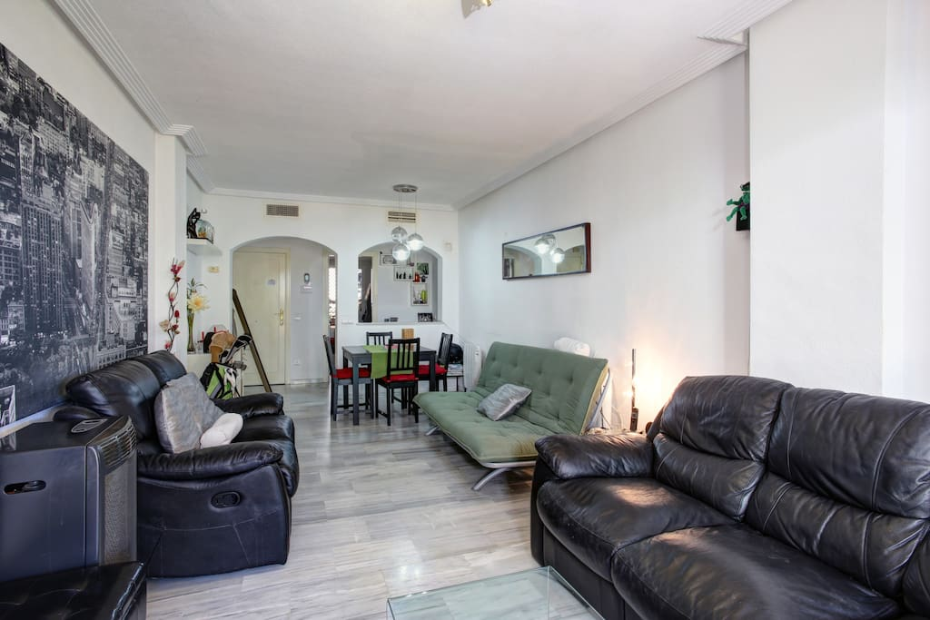 Bonito bajo con jardin en benahavis apartamentos en for Alquiler bajo con jardin madrid