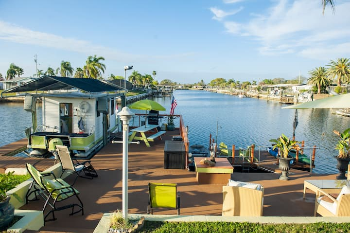Tropical Oasis With Dock & Gulf Access