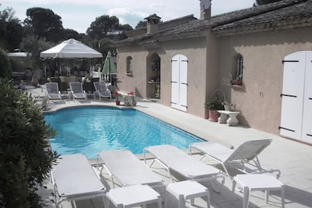 Bed and breakfast - Chambre double - Roquebrune-sur-Argens - Bed & Breakfast