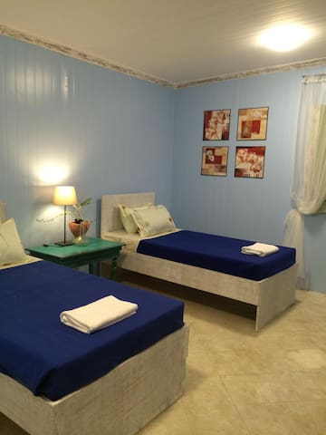 Charming Bed & Breakfast - Tacloban - กระท่อม