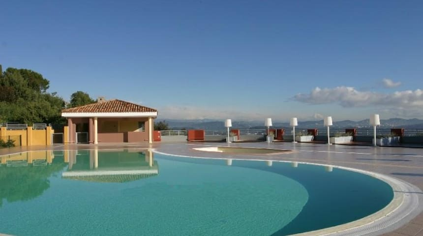 Fantastic apart with heated pool. - Mandelieu-La Napoule - Apartemen