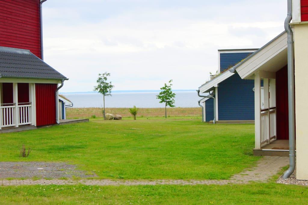 Blick zur Ostsee von der gemütlichen Terrasse