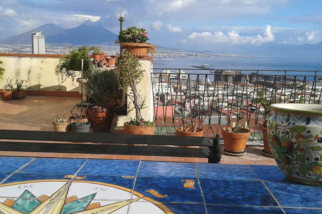 Apartment with best view of napoli wifi air co for Airbnb napoli