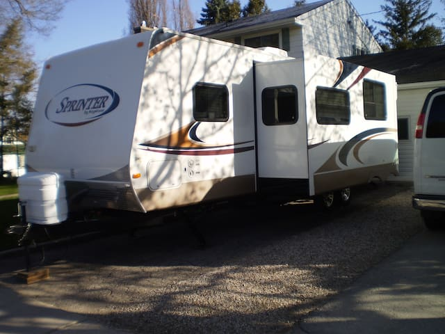 34' RV rental, private location.
