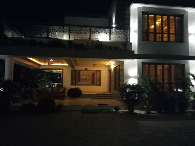 """SOHAM""  independent, spacious Bungalow in Vasai."