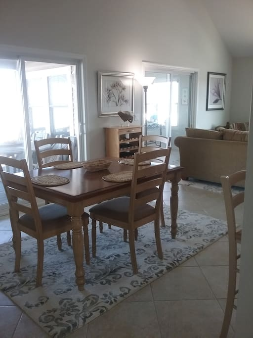 Dining room table expands to seat 6
