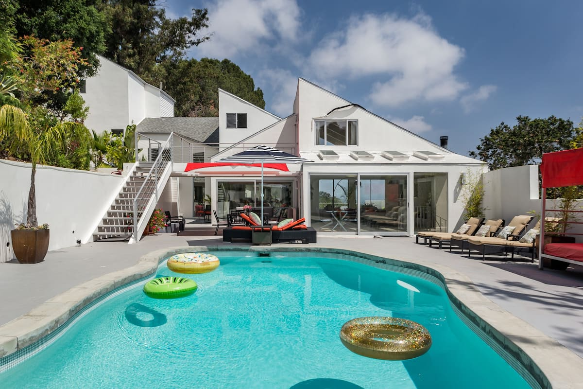 Beverly Hills Home & Pool House near Mulholland Drive